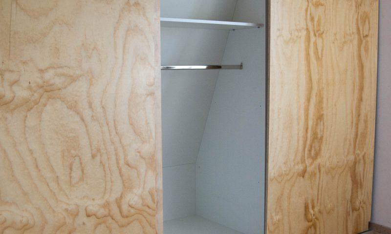 Underlayment inbouwkast met schuifdeuren