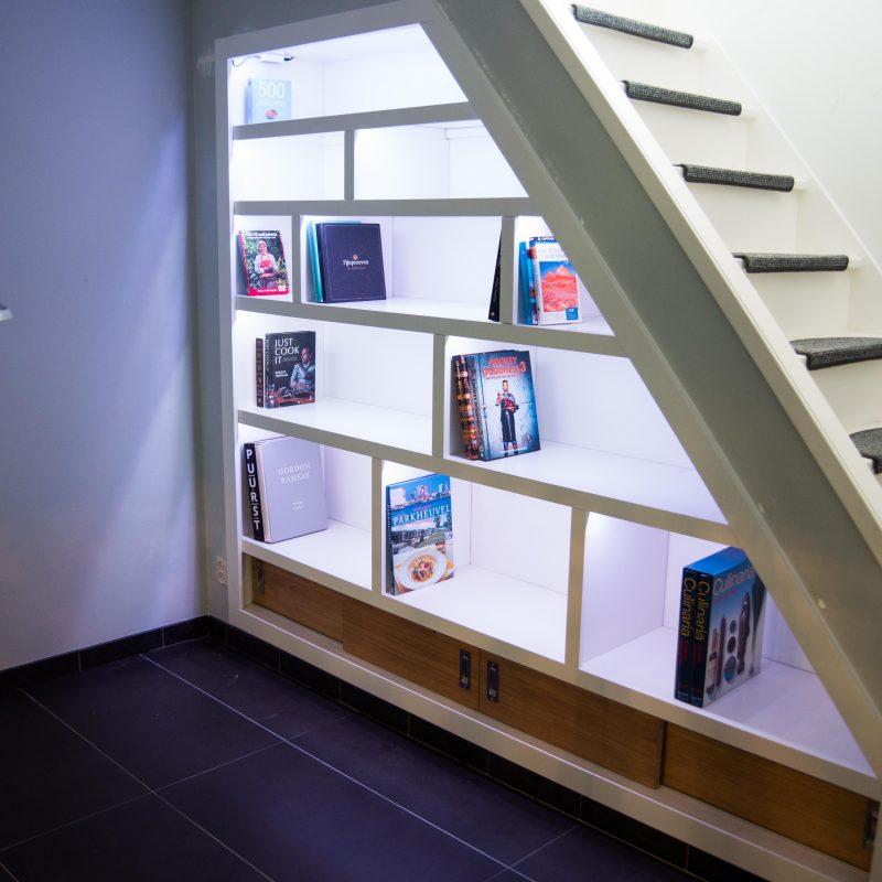 Ingebouwde boekenkast op maat